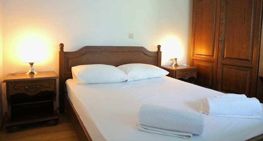 economy double bed room in edelweiss studios