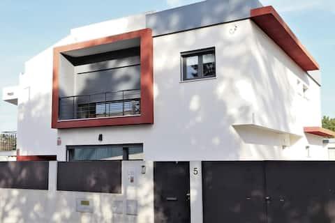 Rute's Charming Villa With Terrace & Wi-Fi