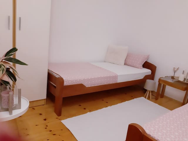 Two bedrooms apartment with a garden
