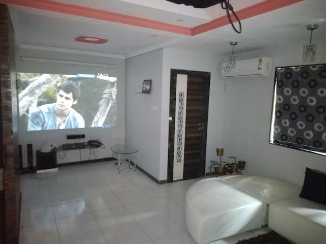 Surat Homestay Villa (1 AC Room)