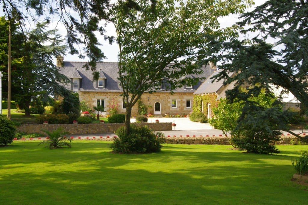 Chambre d 39 h te kerdeval guesthouse for rent in penv nan for Chambre d hote in france
