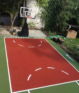 For Rammstein fans with cinema & basketball court! - Breslávia