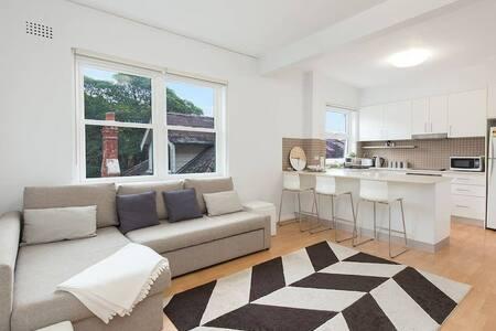Central Bondi Apartment NEW