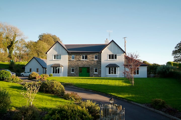 Luxury Skibbereen Town House, Skibbereen Updated 2020