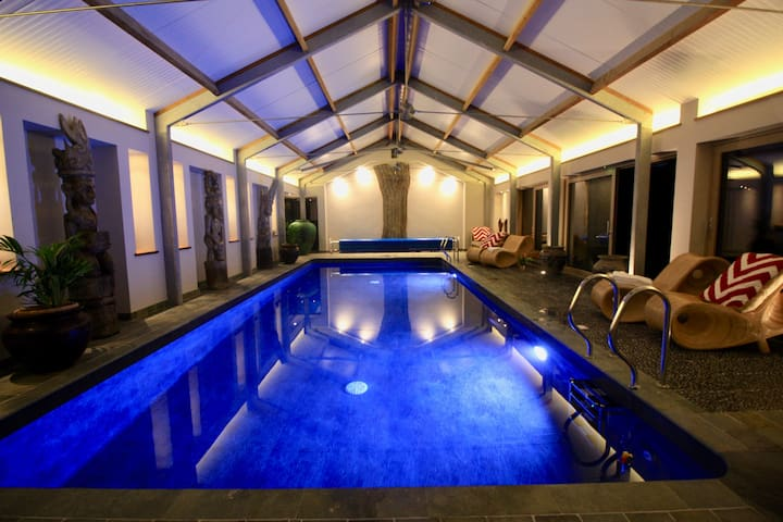 Burr Barn luxury Devon barn & indoor heated pool