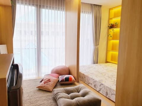 Warm and Comfy Japanese Studio @ The Heart of City