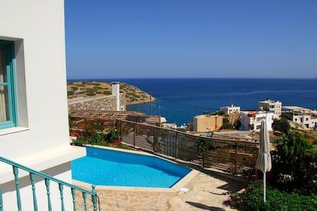 Luxury villa Alkistis with mountain and sea view - Mochlos - 別墅