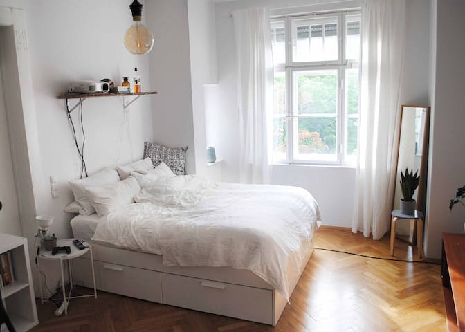 Big Room in Central Schwabing