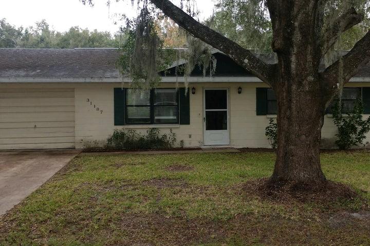 2 BR/ 1BA House convenient to I-75 and SR-50