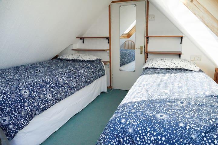 3rd Bedroom 01