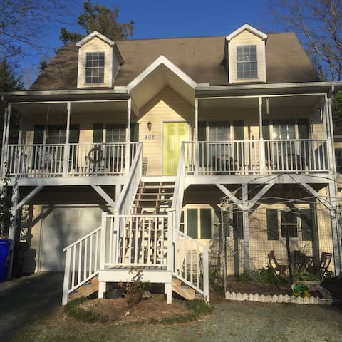 Sunny Studio Apartment in Great Location - Chapel Hill - Appartamento