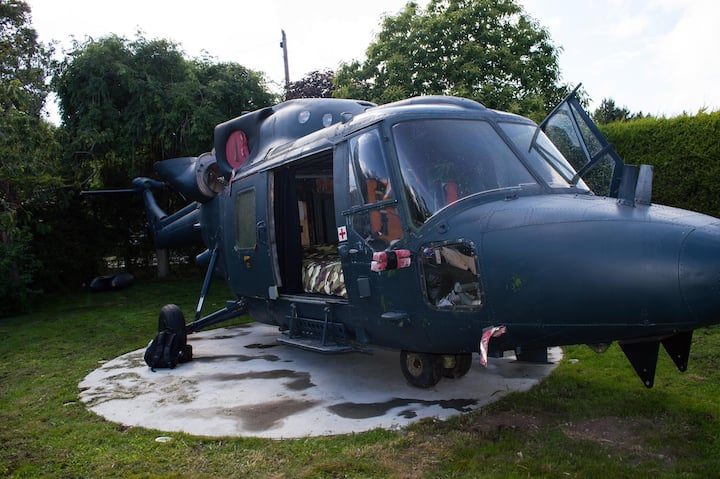 Lynx AH9A Helicopter Glamping Pod