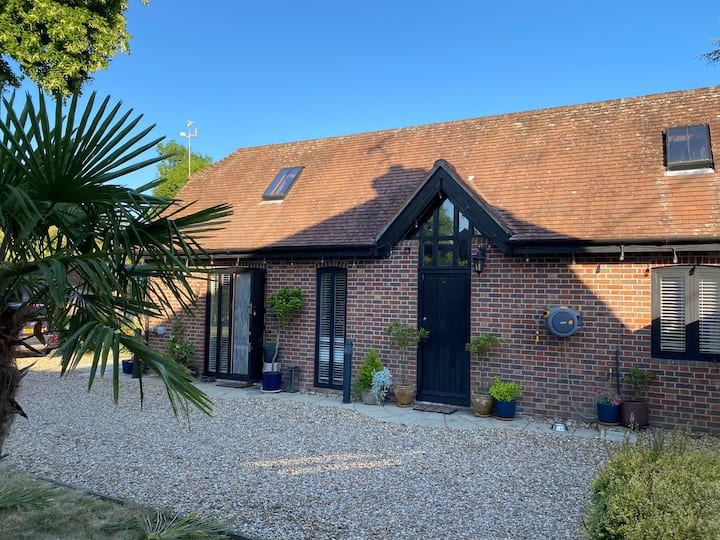 New Forest, 2 bed retreat in down lands village