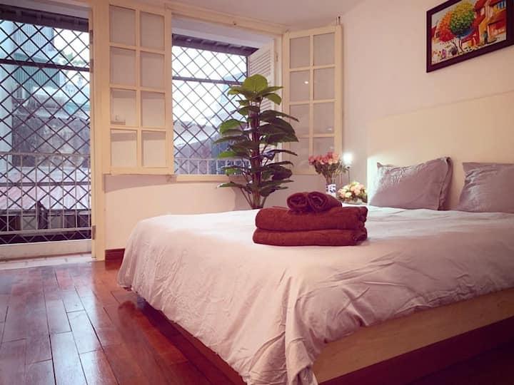 ⭐ 50sqm -Old quarter,kitchen,balcony,living R 21 ⭐