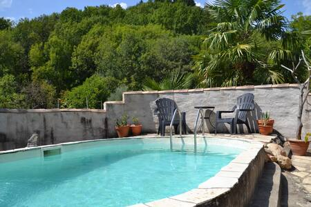 "Spacious beautiful apartment in ""Petit Château"""