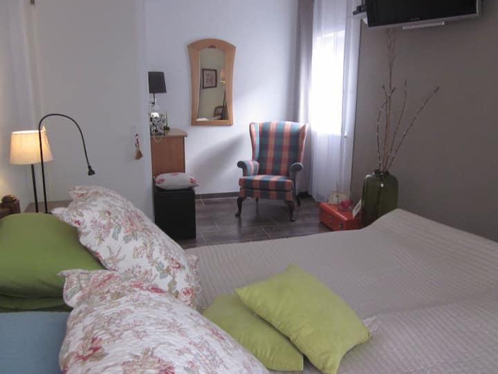 Spacieuse et confortable chambre