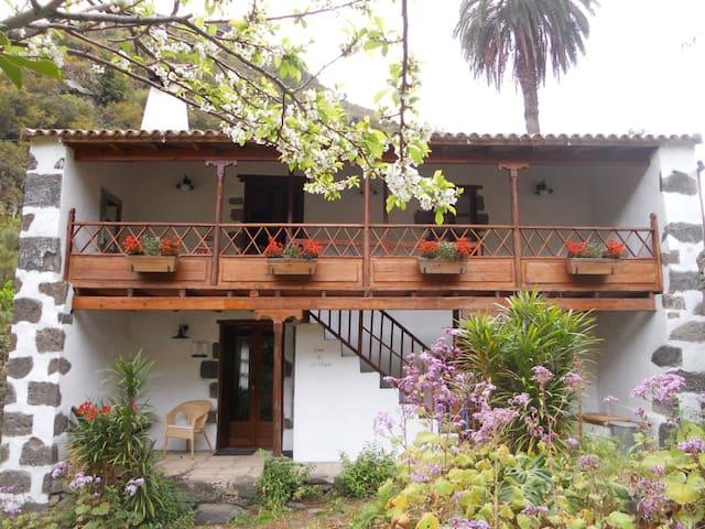Hermosa casa de campo - Valleseco