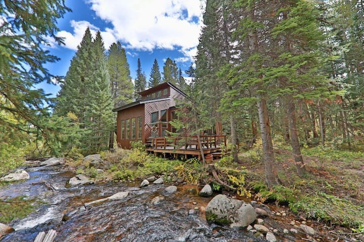 Winter Park Creekside Chalet with Hot Tub