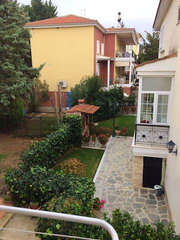 Haus mit 3 Schlafzimmern in Panorama mit eingezäuntem Garten und W-LAN