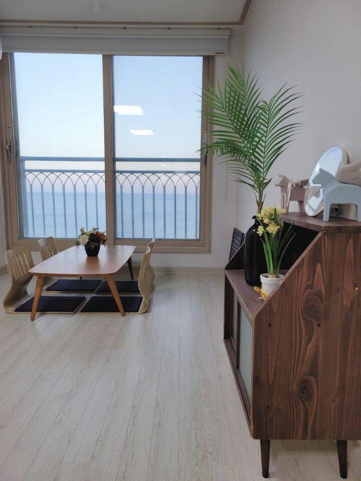 주문진 해변가 Ocean View, 넓고 쾌적한  Stuido Apartment