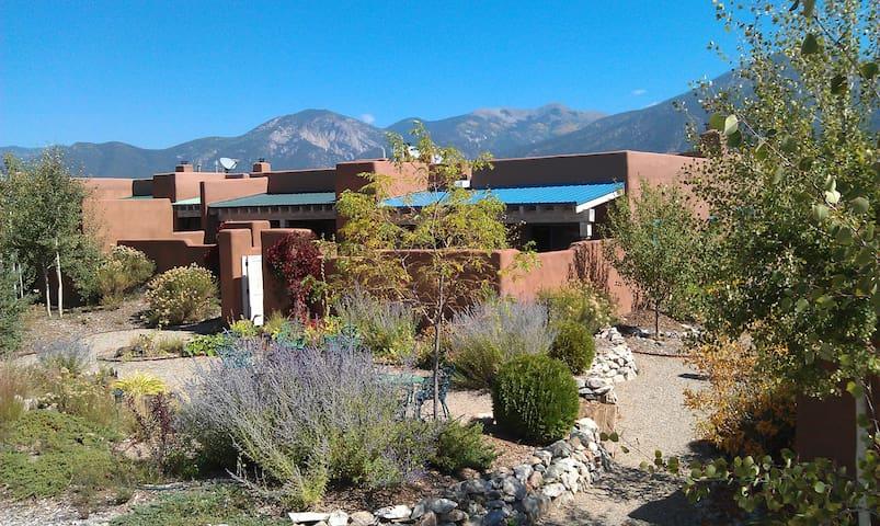 Luxury Taos Vacation Home - El Prado - Appartement