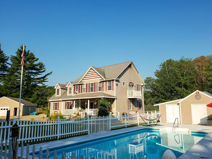 Cozy stay close to the beaches/Heated Pool Fri-Sun