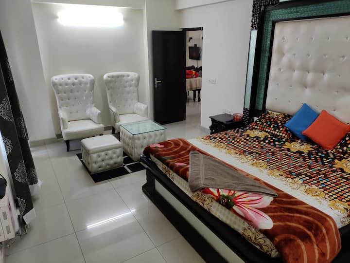 Luxury 4Br, Near India expo ground Noida .