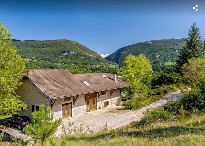 Private country home overlooking Rhone & vineyards