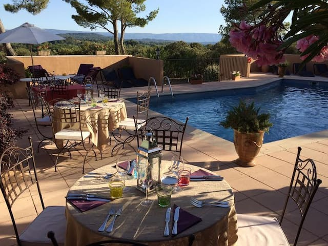 Art de vivre et quiétude dans un Mas en Provence - Roussillon - Boetiekhotel