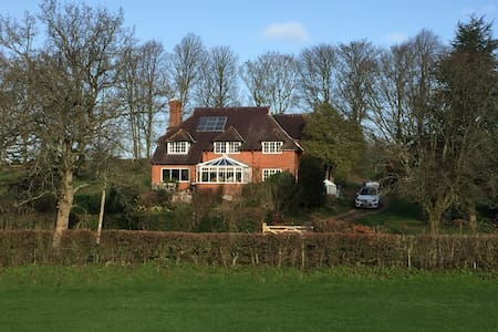 Wonderful Country House in Magical Setting - Wiltshire - Casa