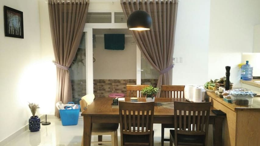 Cosy 3 bed room apartment - free airport pick up - Hiệp Bình Phước - Daire