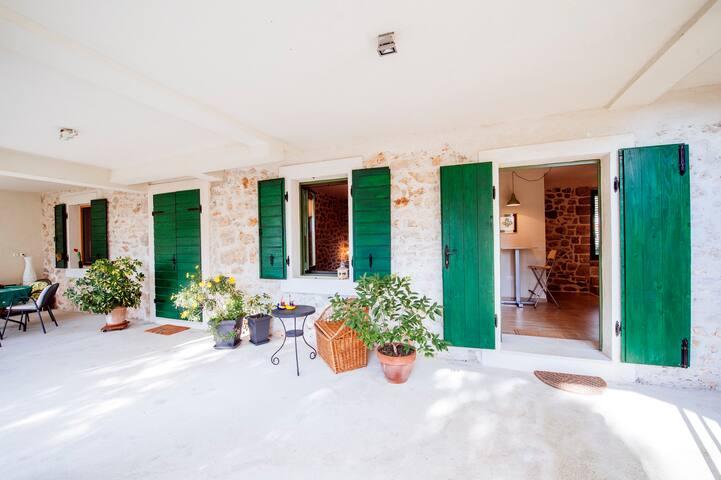 Villa near the beach Zadar area - Sukošan - Villa