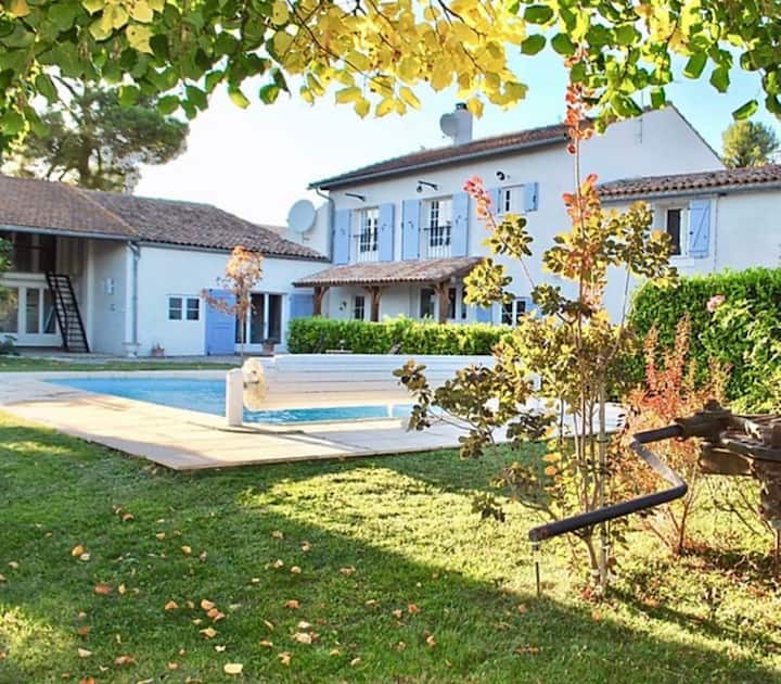 Beautiful wine maker's cottage with pool & garden
