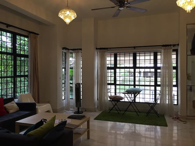 Spacious villa in Orchard for family/ travel group - Singapur - Casa