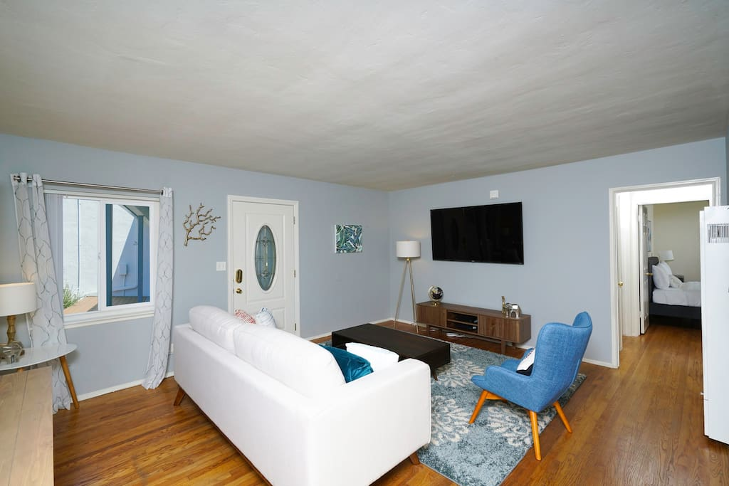 Incredible 3 Bedroom 3 Bath Apt In Pacific Beach Houses For Rent In San Diego California