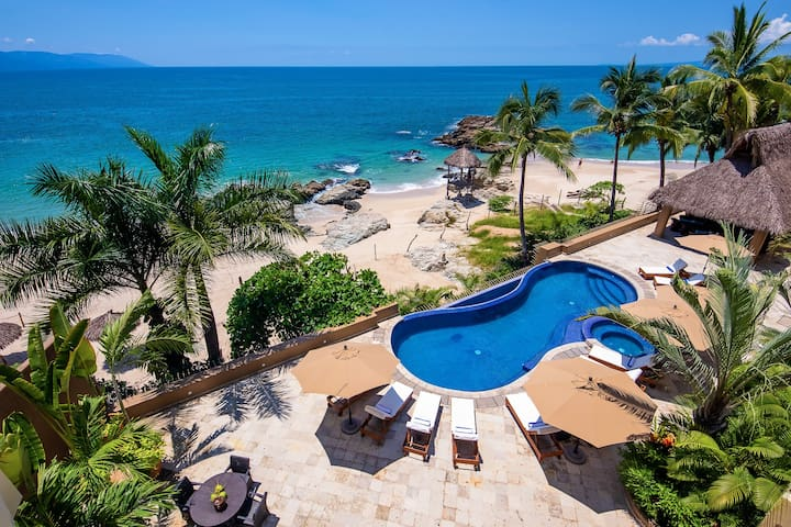 VILLA W SANDY BEACH UP TO 22 GUEST W PRIVATE POOL
