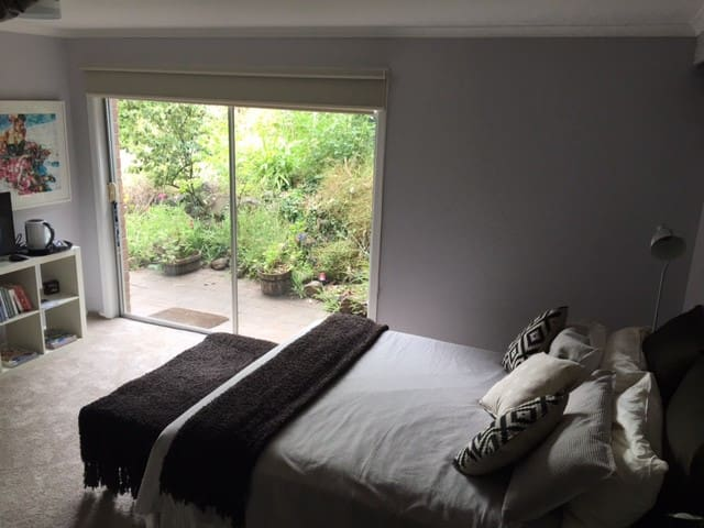 Relaxing  Private Garden Room - Geelong City edge. - Highton - Dům