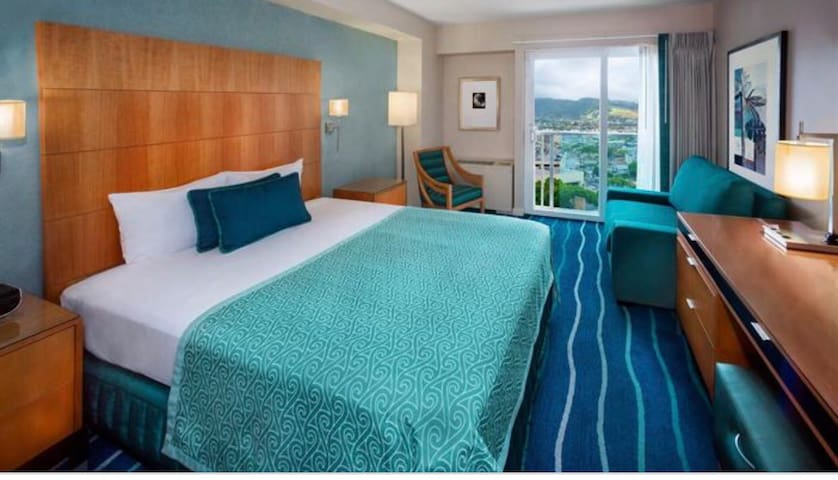 Top Most floor hotel room- ocean/Mountain View.