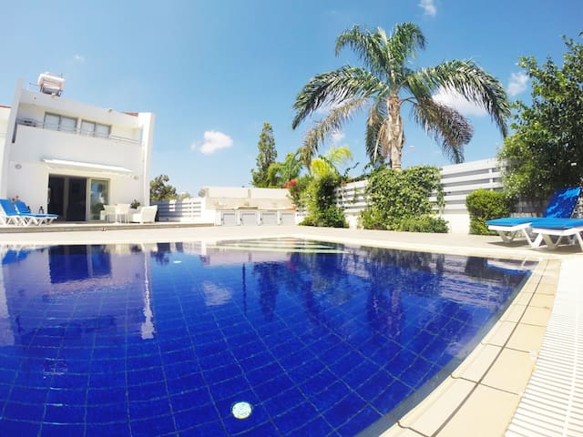 """Coral' Modern Private Villa,Luxury Pool -Protaras"