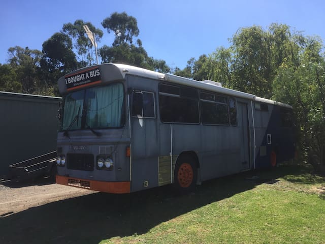Bus in Toomuc Valley - Pakenham Upper