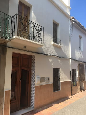 Traditional Spanish townhouse - Beniarjó