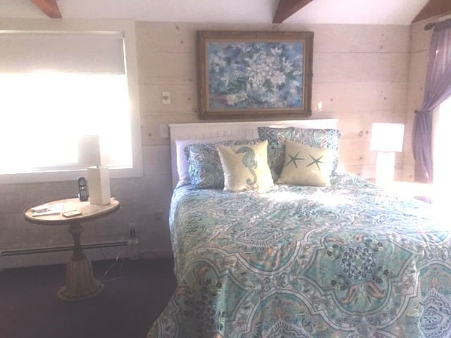 On your night table will be a welcoming guide for community services, activities, recreation and important phone contacts. Your sun drenched room offers darkening shades. The sound of surf will lull you to sleep.