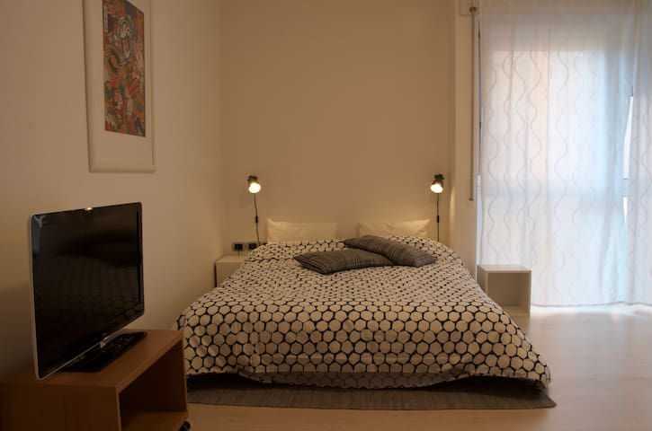 ★Comfy studio,20min walk to center,WiFi, car park★