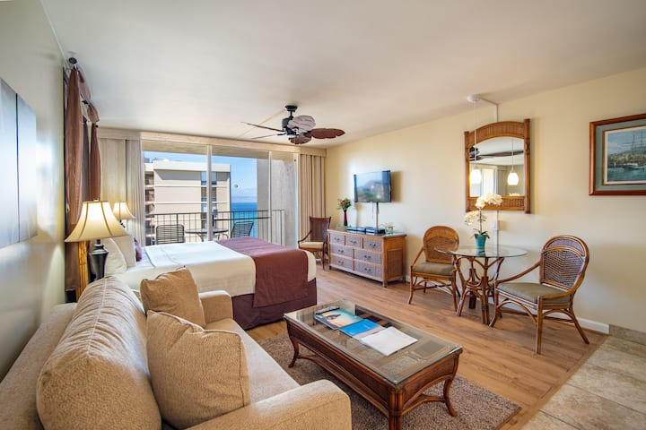 Studio Condo with Ocean Views in Maui | FREE Parking + Kitchen