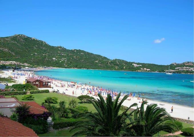 Spettacolare pentavano sulla spiaggia - Marinella - Apartment