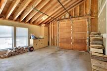 Main Level,Garage,