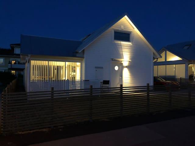 Nybyggd rymlig stuga på Öland Borgholm