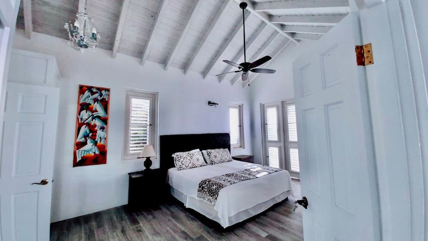 Master Bedroom with dividable King sized Bed
