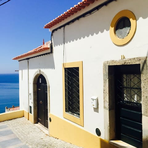 Charming little house, next to the sea. - Sines - Townhouse