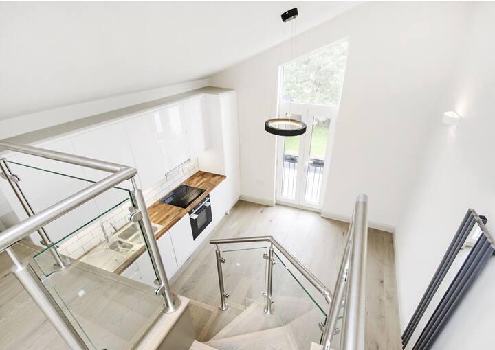 Unique loft apartment, close to central london